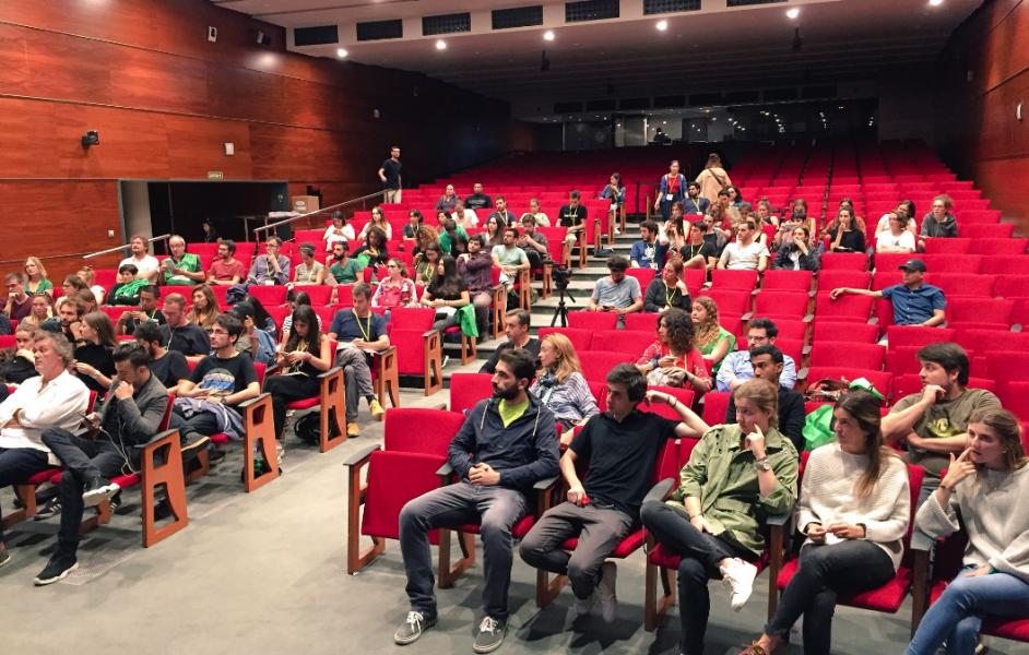 MACT Students participate in Descobrir Les Rondes